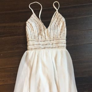 Lulu XS white maxi dress with gold details